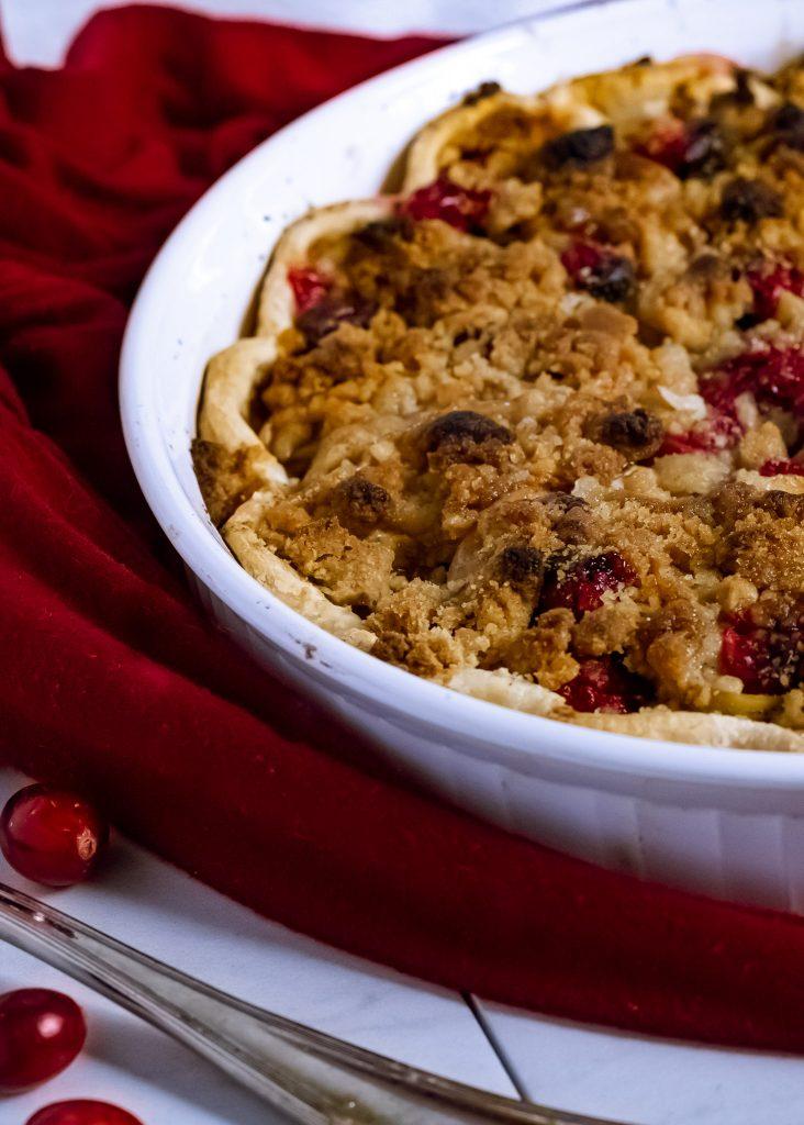 cranberry apple crumb tart.